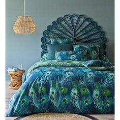 Shakhra duvet cover, feather pattern printed on the front, small motif printed on the back.Quality & Value for the quality of its densely woven fabric (70 threads/cm²). The higher the thread count, the higher the quality of the weave. Envelope-style opening. Washable at 60°. 100% cotton percale. The Oeko-Tex® label guarantees that the items tested and certified do not contain any harmful substances that could be detrimental to the health. Size to order: 140 x 200 cm (Single) 200 x 20...