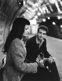 Le Muguet du Métro, 1953. Photo: Robert Doisneau.