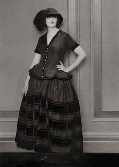 Edward Steichen for Vogue, September 1923 20s Fashion, High End Fashion, Art Deco Fashion, Vintage Fashion, Fashion Design, Fashion Trends, Vintage Style, Vintage Ladies, Belle Epoque