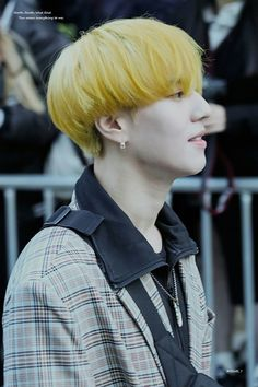 171013 Kim Yugyeom at KBS Music Bank cr: NSWE_7