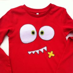 Camiseta con aplicaciones de tela a modo de monstruo!!! Red Monster.