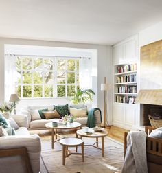 Want to change your living room? Before committing the irreparable, discover the pitfalls to avoid in the layout of the living room. Living Room Designs, Living Room Decor, Living Spaces, Living Area, Living Room Turquoise, Apartment Renovation, Room Colors, Home Decor Accessories, Home Interior Design