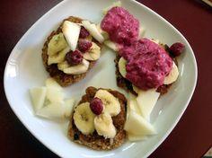 Wer Vegan for fit kennt, kennt woh auch diese Frühstückskombi - schön angerichtet und hübsch fotografiert