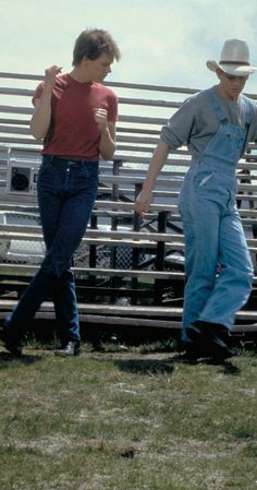 Footloose (1984) photos, including production stills, premiere photos and other event photos, publicity photos, behind-the-scenes, and more.