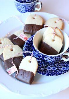 Munchkin Munchies: Tea Bag Cookies.     love the tea cup too!!