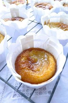 The whole family will love these yummy malva pudding cupcakes - perfect to serve after your Sunday lunch! Cupcake Recipes, Baking Recipes, Cupcake Cakes, Dessert Recipes, Cup Cakes, Baking Cupcakes, Baking Ideas, Kos, Pudding Cupcakes