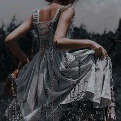 Queen Aesthetic, Princess Aesthetic, Aesthetic Vintage, Foto Fantasy, Fantasy Magic, Pretty Dresses, Beautiful Dresses, Fairytale Dress, Mein Style