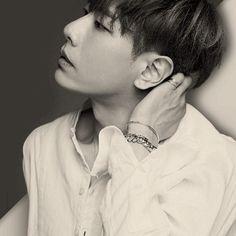 오늘은 진짜 정신못차리는 하루.... 꿈이냐?생시냐? #박효신 #parkhyoshin Shin, Man Crush, Korean Singer, Handsome, Park, Kimchi, Korean Actors, Candy, Boys