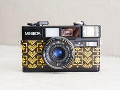 Minolta HI-MATIC S2 - MINT Condition functional vintage 35mm film camera for lomography w/ folk motifs on genuine leather + original case