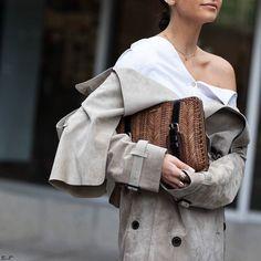 Details / Lainy @lainyhedaya / New York Fashion Week SS18  by #chrissmart  www.csmartfx.com  #NYFW #SS18 #StreetStyle #Fashion #FashionWeek #newyorkcity #nyfashionweek #moda #mode #ootd #fashionlook #womensfashion #beauty #nyc #nyfwSS18 #street #womenswear #chic #style