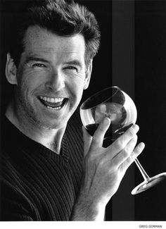 Pierce Brosnan - photo postée par vampthetoxicblonde - Pierce Brosnan - Album du fan-club