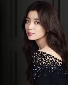 Han Hyo Joo Fashion, Korean Beauty, Asian Beauty, W Two Worlds, Korean Actresses, Korean Actors, Beautiful Asian Women, Woman Crush, How To Look Pretty