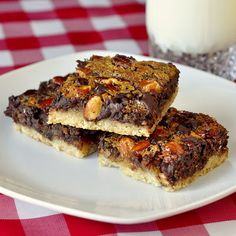 Easy Chewy Chocolate Pecan Almond Bars, like shortbread chocolate bar! Baking Recipes, Dessert Recipes, Desserts, Pecan Bars, Almond Bars, Rock Recipes, Pastry Blender, Brownie Bar, Cookie Bars
