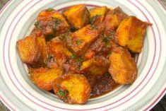 Πατάτες σοφιγάδες με ντομάτα, σκόρδο και λεμόνι / Caruso Sweet Potato, Curry, Pork, Meat, Chicken, Vegetables, Ethnic Recipes, Food, Kale Stir Fry