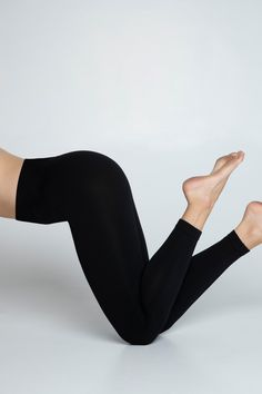 200 DENIER SEAMLESS LEGGINGS, OPAQUE. BROAD MONOGRAMMED WAISTBAND. 100% EMISSION-FREE TIGHTS, KNITTED FROM RECYCLED YARNS.    MATERIALS: 92% RECYCLED POLYAMIDE, 8% RECYCLED ELASTANE Maternity Tights, Recycled Yarn, Patterned Tights, Fashion Tights, Cute Socks, Seamless Leggings, Yarns, Trendy Fashion, Stockings
