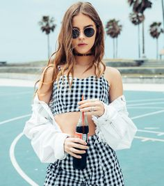 ▷ LF Stores Takes California Cool The Next Level … – Summer Fashion Photography Poses Women, Portrait Photography, Fashion Photography, Photography Lessons, Mode Outfits, Fashion Outfits, Trendy Fashion, Ladies Outfits, Photoshoot Fashion