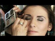 How to Achieve the Modern Day Smokey Eye Look