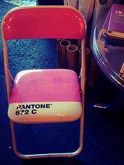 -Pantone 672 C