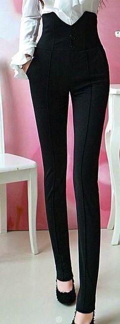 Ropa para señorita o señora. Los pantalones son alto cintura, negro, y flaca.  Estos pantalones son tan lindos como las normales.