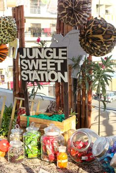 Party banner at a Jungle Party #jungleparty #banner