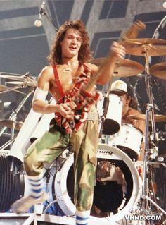 Van_Halen_Halloween_1980_2_eddie