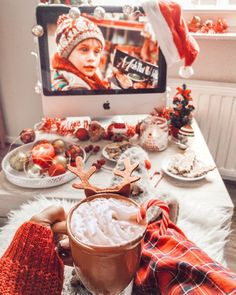 Are you looking for ideas for christmas ideas?Browse around this website for very best Christmas inspiration.May the season bring you happy memories. Cosy Christmas, Christmas Feeling, Christmas Room, Merry Little Christmas, Christmas Holidays, Christmas Decorations, Xmas, Christmas Morning, Christmas Ideas