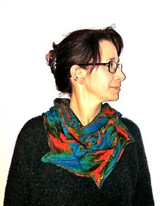 This cowl is knitted as one piece in the round. Width and length are easy adjustable.