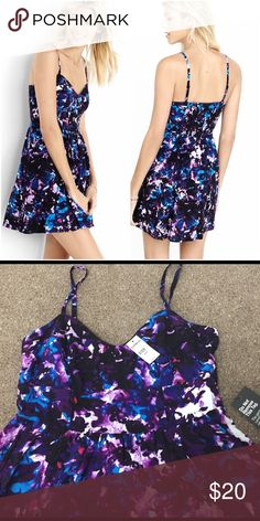 NWT Express WaterColor Sweetheart Sundress NWT Express WaterColor Sweetheart Sundress, beautiful print sundress with adjustable straps. New with attached tags. 📦 Bundle with another item for a 15% discount. Express Dresses Mini