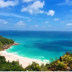 #TravelTuesday  #Seychelles#BeautifulIsland#summertime #sea#ocean#thissummer #DCmoments #travelinspiration #MyColourOfSummer #JWBucketlist #Paradiseisland#asia