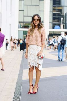 20 Ways to Make a Lace Skirt Work for Daytime - peach top + white lace pencil skirt and red satin heels Lace Skirt Outfits, Lace Outfit, Dress Skirt, Dress Up, Outfit Work, Lace Dress, White Lace Skirt, White Skirts, Image Fashion