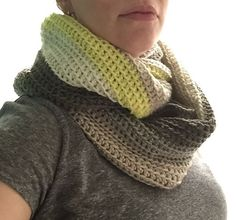 Free Cowl Pattern crocheted by Chocky at Ravelery with Caron Cakes Key Lime