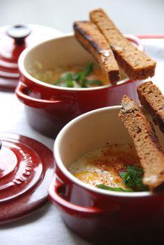 ☆ Oeufs cocottes au parmesan, pain d'épice et piment d'Espelette ☆