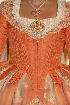 Corpiño fallera naranja 18th Century Clothing, 18th Century Fashion, Old Dresses, Vintage Dresses, Celtic Dress, 1800s Fashion, Fairytale Dress, Historical Clothing, Fashion History