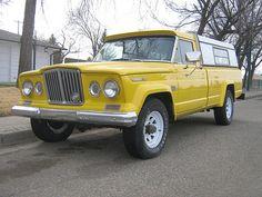 Yellow Jeep Gladiator  uhhh someone buy this for my birthday pleaseeee???