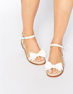 Bild 1 von ASOS – FUN DAYS – Zweiteilige Sandalen mit Schleife