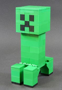 Minecraft Creeper @ Lego make a creeper at his party