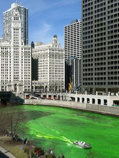 St. Patrick's Day Activity: Watch the Chicago River Turn Green ~~ Going to be in Chicago the Saturday before St. Patrick's Day? Head downtown to see the parade and watch the Chicago River magically turn a delightful shade of Irish green. Around 5,000 spectators line the sides of Columbus Drive every year to watch the dyeing of the river, a tradition that is more than 40 years old.