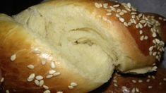 Τα τσουρεκάκια της Στεφανίας – ηχωμαγειρέματα Eat Greek, Bread, Food, Easter, Recipies, Brot, Essen, Easter Activities, Baking