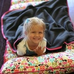 Detailed tutorial on making an all-in-out nap mat for back to school!