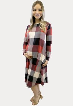 This relaxed red plaid maternity dress is perfect for the holidays! Long Sleeve Maternity Dress, Maternity Gowns, Maternity Fashion, Maternity Styles, Winter Maternity Outfits, Cute Sneakers, Red Plaid, Sexy Dresses, Cute Outfits