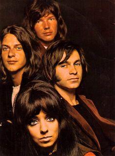 The pallet of Long John Silver. 70s Music, Music Pics, Rock Music, Long John Silver, Mariska Veres, Shocking Blue, Estilo Rock, Wale, Pop Rock Bands