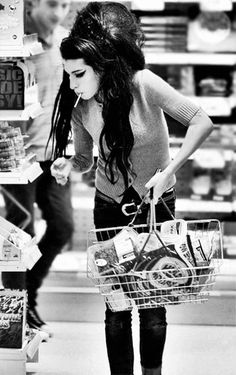 "Amy Winehouse--- ""back to black"""