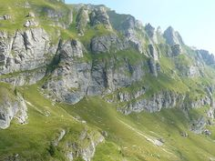 Parcul Natural Bucegi este o arie protejată de interes național ce corespunde categoriei a V-a IUCN (parc natural), sitată pe teritoriile administrative ale județelor Brașov, Dâmbovița și Prahova. Mountains, Nature, Travel, Outdoor, Park, Geography, Outdoors, Naturaleza, Viajes