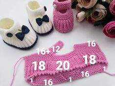 Easy to make beautiful baby booties adorable yellow knit booties knitting knittingpatterns babybooties baby – ArtofitThese cute baby booties are the perfect accessories for your baby! Use this newborn baby booties free knitting pattern to make your Baby Hats Knitting, Knitting For Kids, Baby Knitting Patterns, Knitting Designs, Baby Patterns, Crochet Patterns, Easy Knitting, Crochet Baby Shoes, Crochet Baby Booties