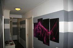 Der Malerbetrieb Villani aus Wuppertal (42117) bringt schwung in den engen Flur. | Maler.org