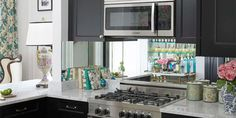 10 tips for a small kitchen