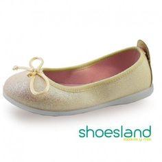 Bailarina para niña con destellos dorados de Aladino shoes made in Spain con la tecnología Tecpell  50% descuento Fabricadas en España respetandon el medio ambiente y pensando en el desarrollo del pie de tu niña. #outlet #shoes #shoping #calzadoinfantil #shoesland