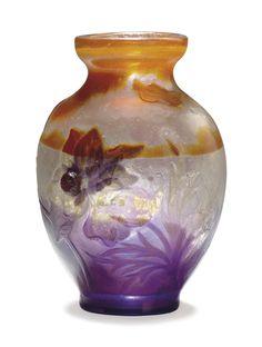 EMILE GALLE (1846-1904) - A MARQUETERIE-SUR-VERRE GLASS VASE, CIRCA 1900.