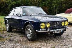 Alfa Romeo Bertone à la Bourse de l'Aigle. Reportage : http://newsdanciennes.com/2016/10/19/19e-bourse-de-laigle-des-tractions-des-collectionneurs-et-des-tracteurs/