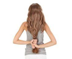 6 tips for å vare på langt hår:  Det holder ikke bare å vaske langt hår. Etter hver vask er nødvendig å bruke balsam, og en gang i uken. Før vask, kam håret så får du mindre problemer når du tørker håret  Sett aldri opp vått hår i hestehale  Løst og fritt hår tørker raskere. Hvis det er mulig, velger en hårføner på kjølig luft tørking. Bruk børster med naturbust, de sliter minst på håret og gir det glans  #hårpleie #langthår #hårtips #dsddeluxe